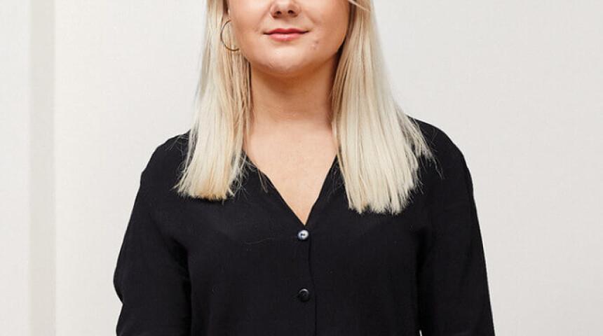 Sophie  Exton